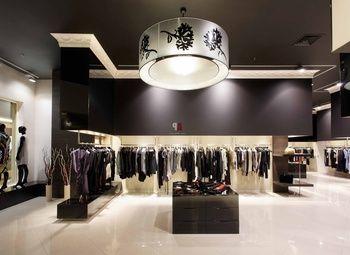 Салон женской одежды популярного бренда