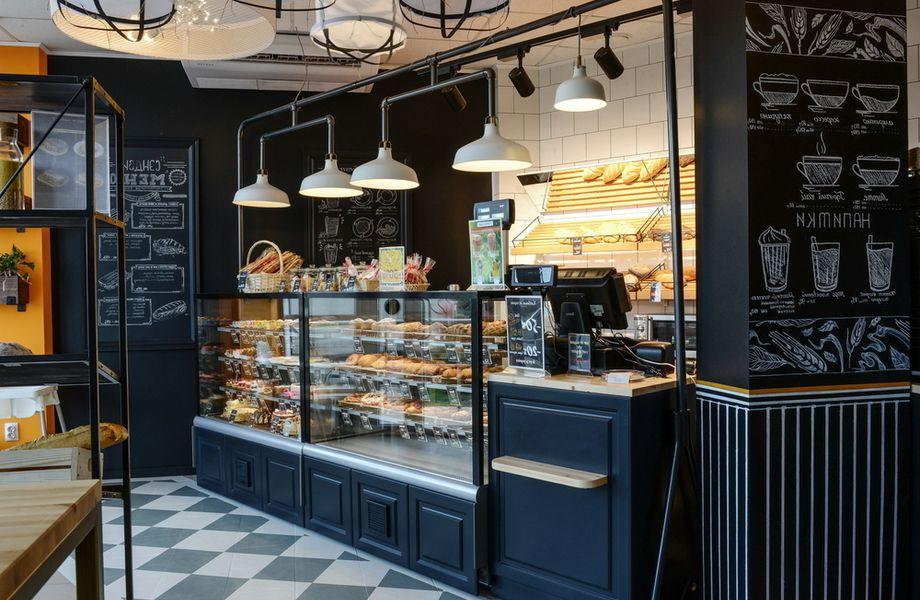 Семейное кафе-пекарня в проходном месте