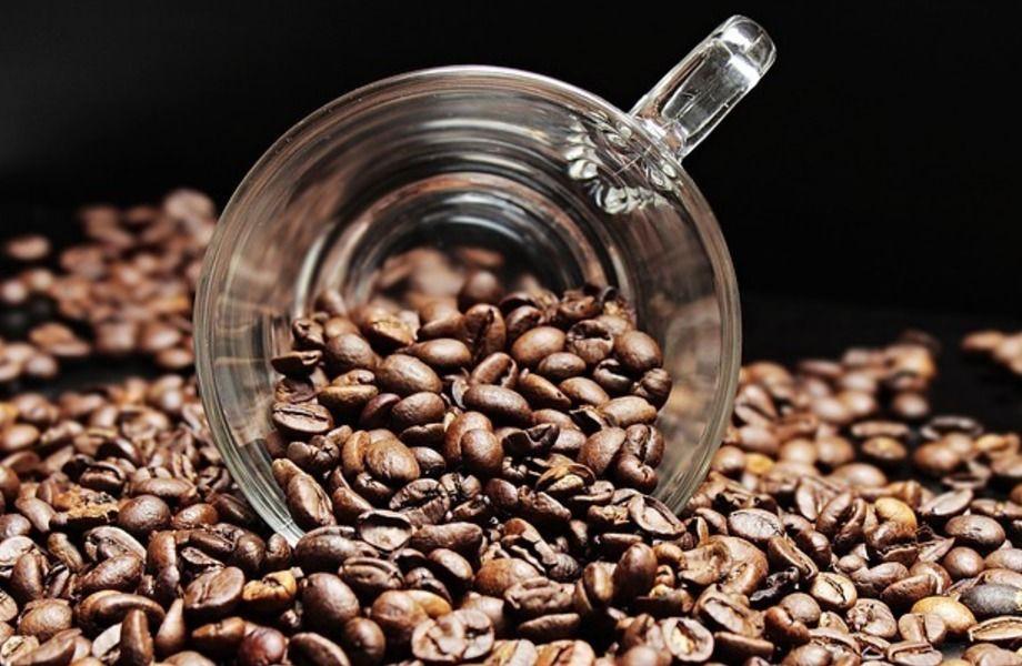 Точка кофе с собой в проходном месте