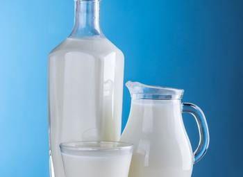 Молочный отдел в посещаемом магазине