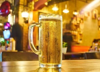 Магазин-бар разливного пива в проходном месте на Юге города