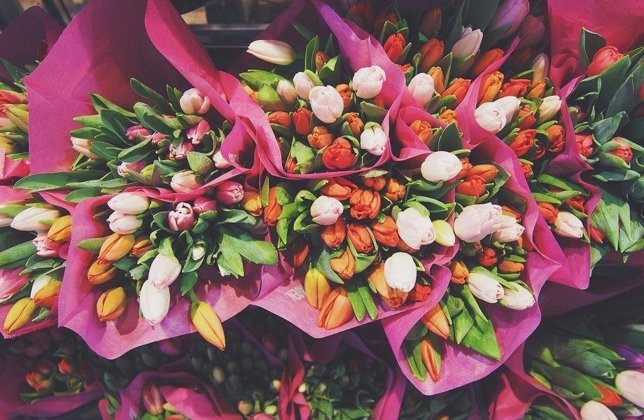 Магазин цветов на севере города в проходном месте