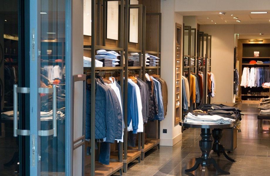 Сетевой магазин одежды в ТЦ
