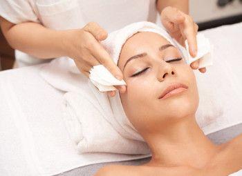 Салон косметологии и массажа в крупном спальном районе