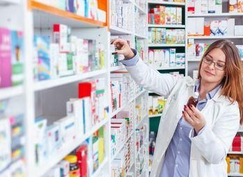 Аптека в густонаселенном районе Петербурга