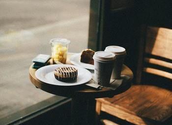 Кофе с собой на первой линии домов