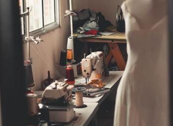 Ателье по ремонту и пошиву одежды в торговом центре