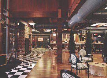 Помещение под кафе, бар, клуб, столовую у трех станций метро