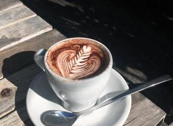 Кофейня в центре города в хорошем месте