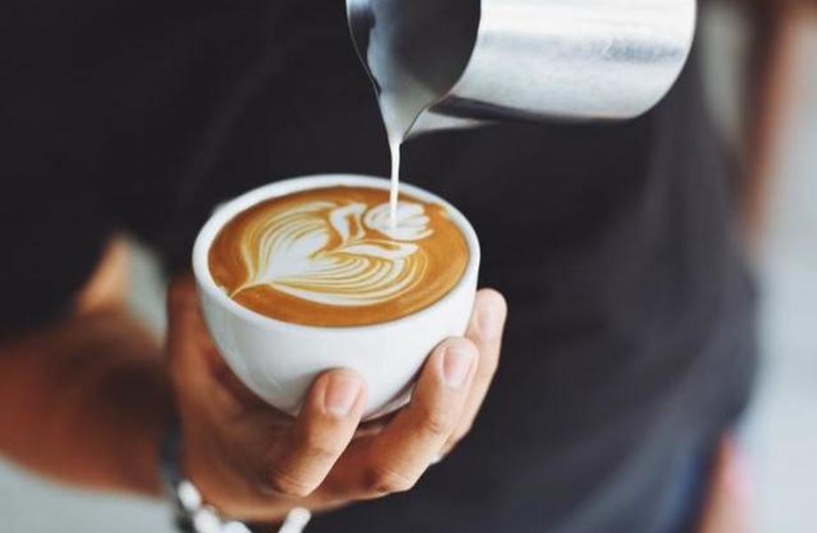 Магазин кофе и чая с форматом кофе с собой в ТЦ