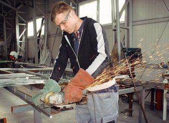 Подрядчик-поставщик дверных и оконных конструкций