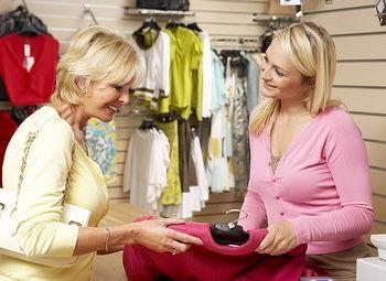 Магазин одежды в центре города по низкой цене