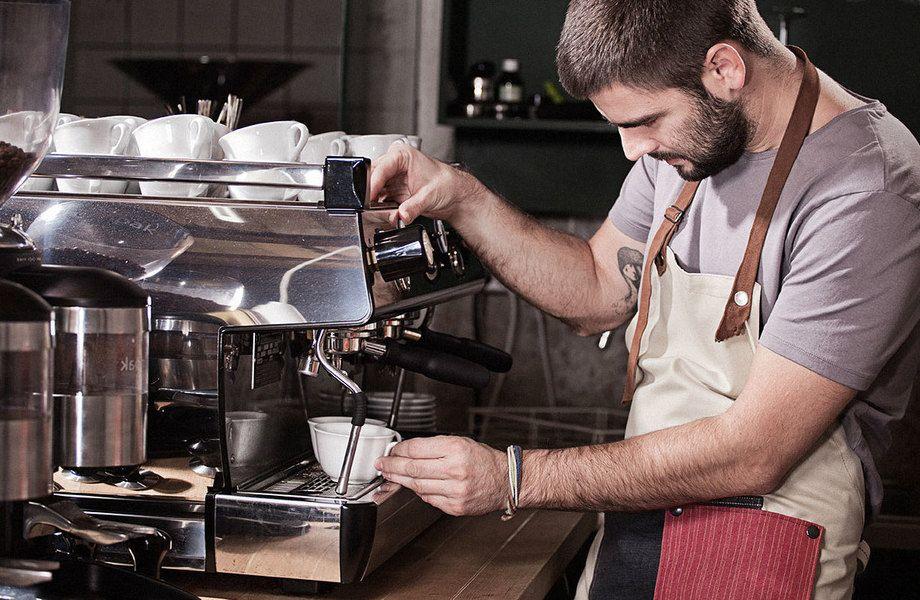 Кофейня от популярной сети в центре с высокой прибылью