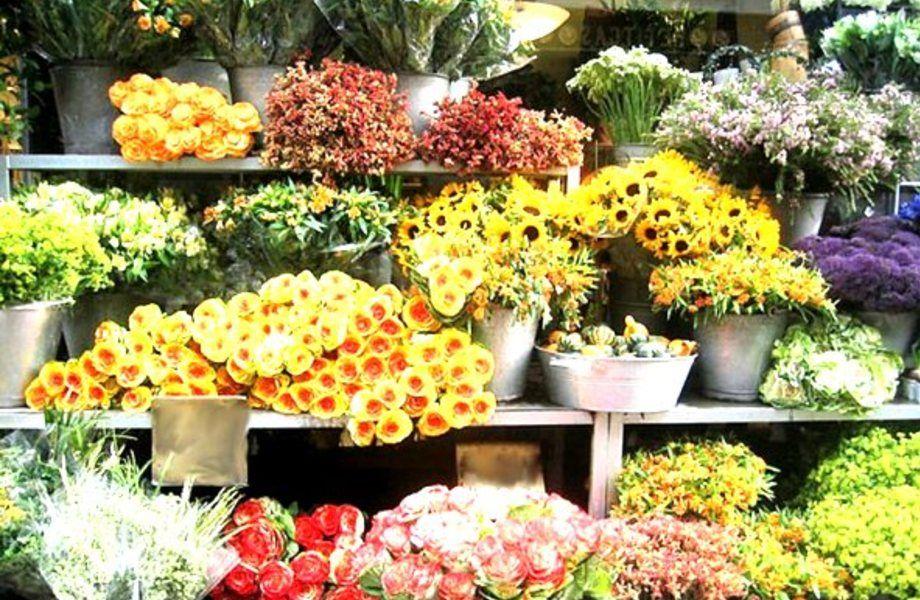 Цветочный магазин в проходном месте