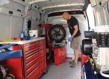 Шиномонтаж на колесах с оборудованием в собственность