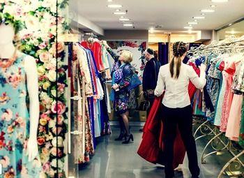 Салон женской одежды в ТЦ с высокой прибылью и базой клиентов