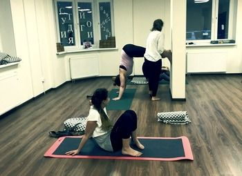 Студия йоги с различными направлениями