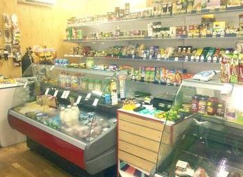 Продуктовый магазин в оживленном районе