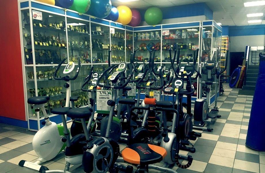 Магазин спортивного инвентаря с доходом 200.000
