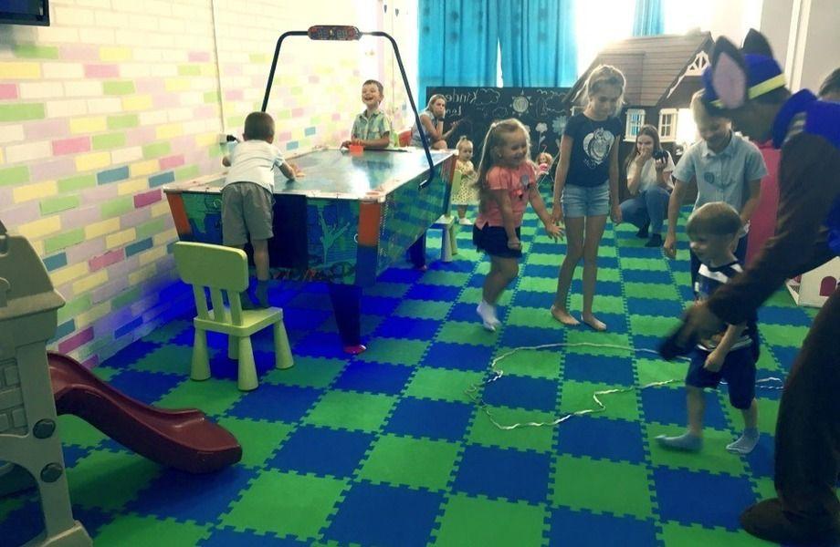 Детский центр развития и досуга с базой клиентов