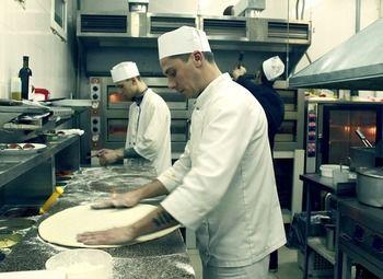 Итальянская пиццерия/доход 300.000