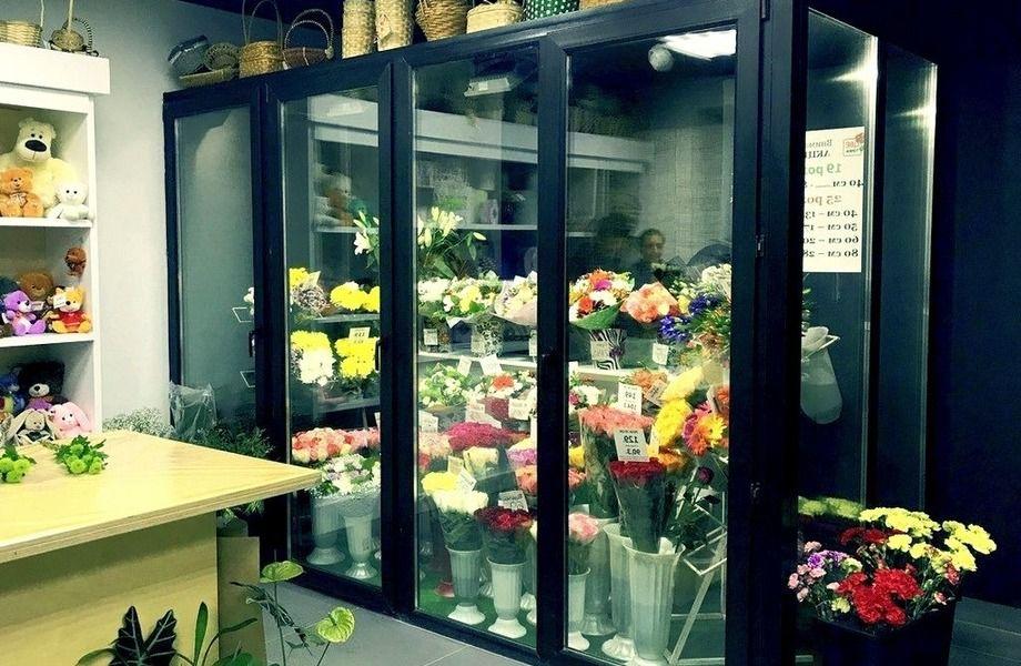 Цветочный магазин с высокой проходимостью и базой постоянных клиентов