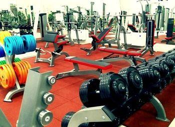 Фитнес клуб в оживленном районе с клиентской базой