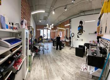 Салон красоты с новым ремонтом и постоянными клиентами