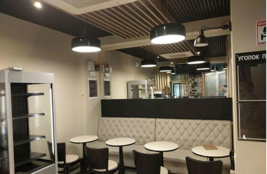 Кофейня с залом для посетителей на Ленинградском вокзале