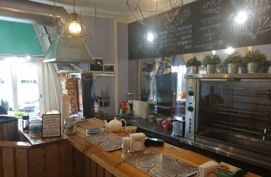 Кафе БИСТРО-ШАУРМА в торговом комплексе рядом с метро