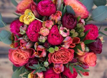 Цветочный магазин в самом центре города/ Прибыль 250.000 р.