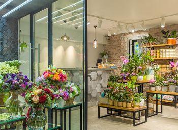 Цветочный магазин в Выборгском районе.