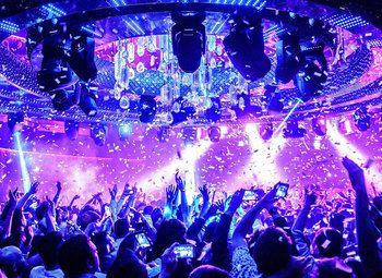 Известный Ночной клуб в центре