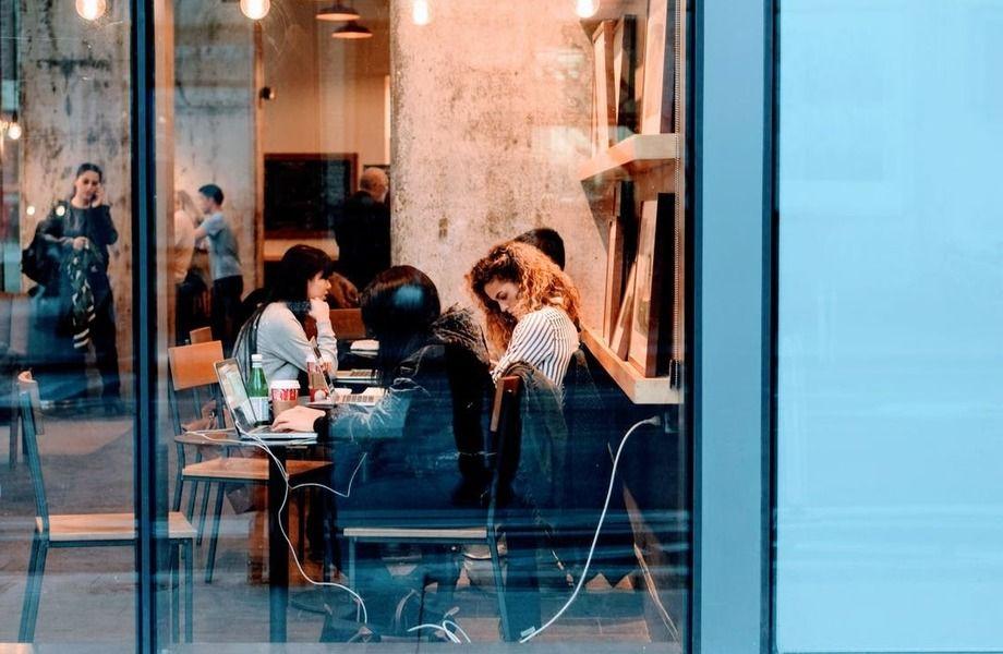Кафе в торгово-офисном центре