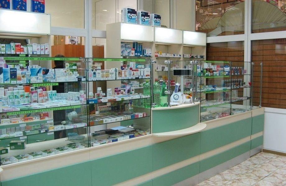 Аптека на выходе с метро Университет