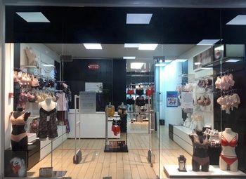 Французский магазин нижнего белья и купальников в ТЦ