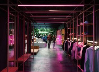 Магазин одежды с высокой прибылью / В популярном ТРК