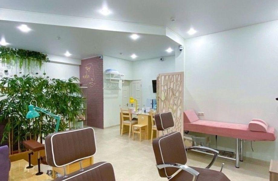 Салон красоты с дизайнерским ремонтом в центре Москвы