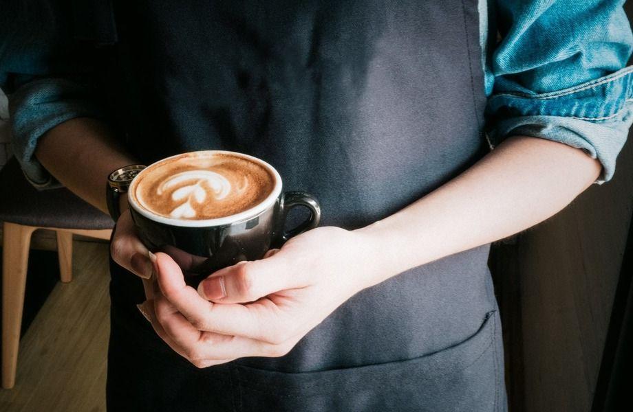 Небольшая кофейня с высокой проходимостью