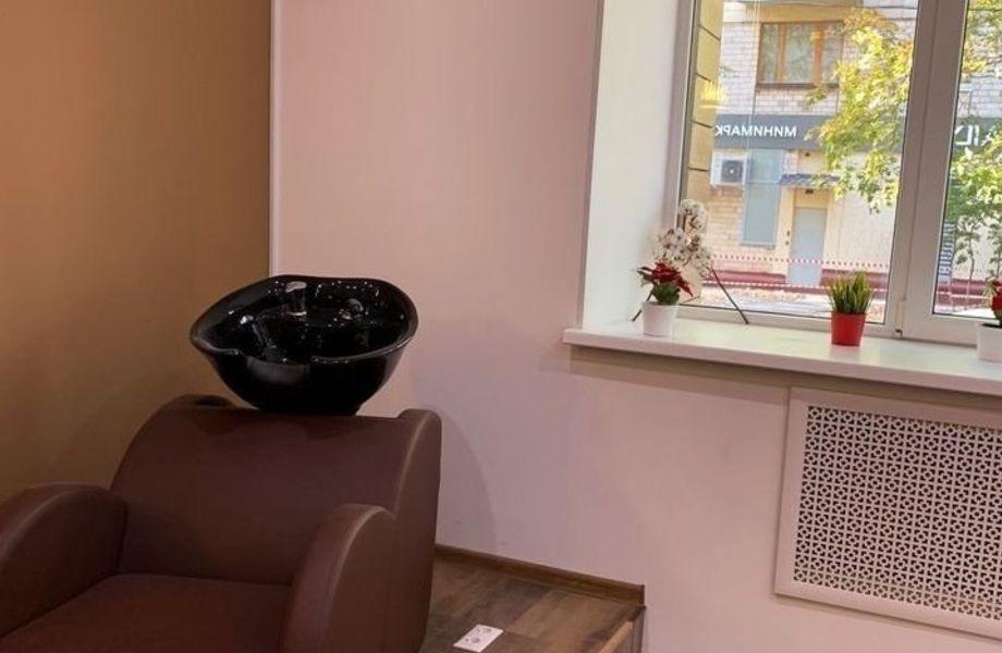 Салон красоты на западе Москвы с отлаженной работой и базой клиентов