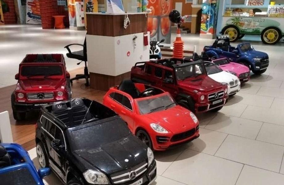 Прокат детских электромобилей в ТРЦ