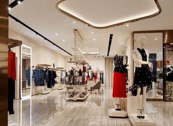 Прибыльный магазин одежды в крупном ТК Город