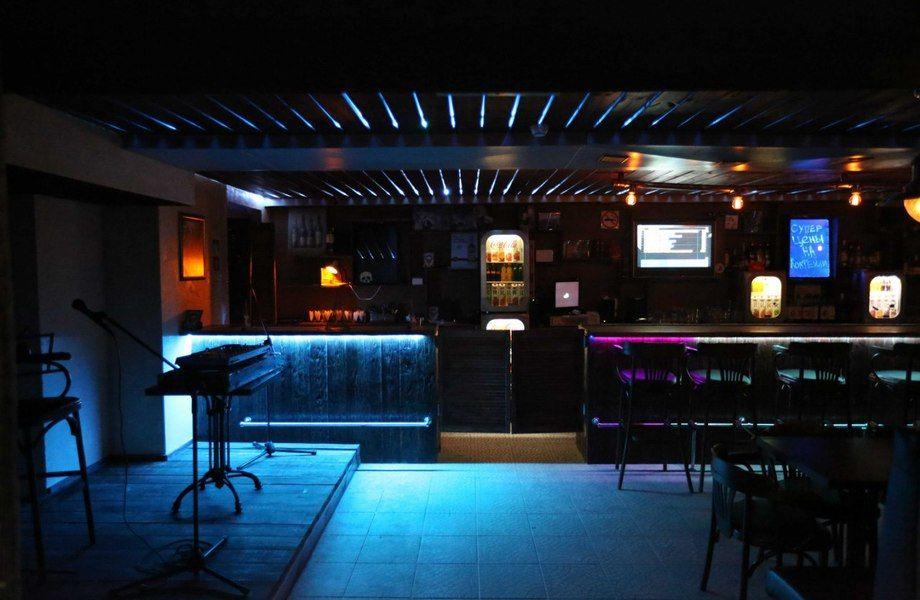 Доля в баре с дизайнерским ремонтом