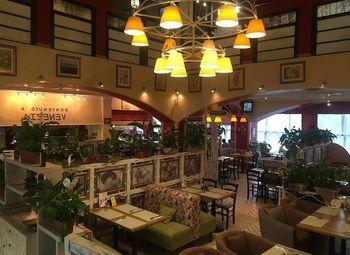 Ресторан Итальянской и Японской кухни (франшиза от известного бренда)