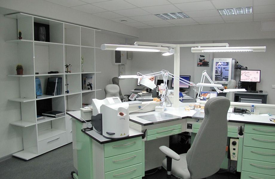 Зуботехническая Лаборатория действует 4 года
