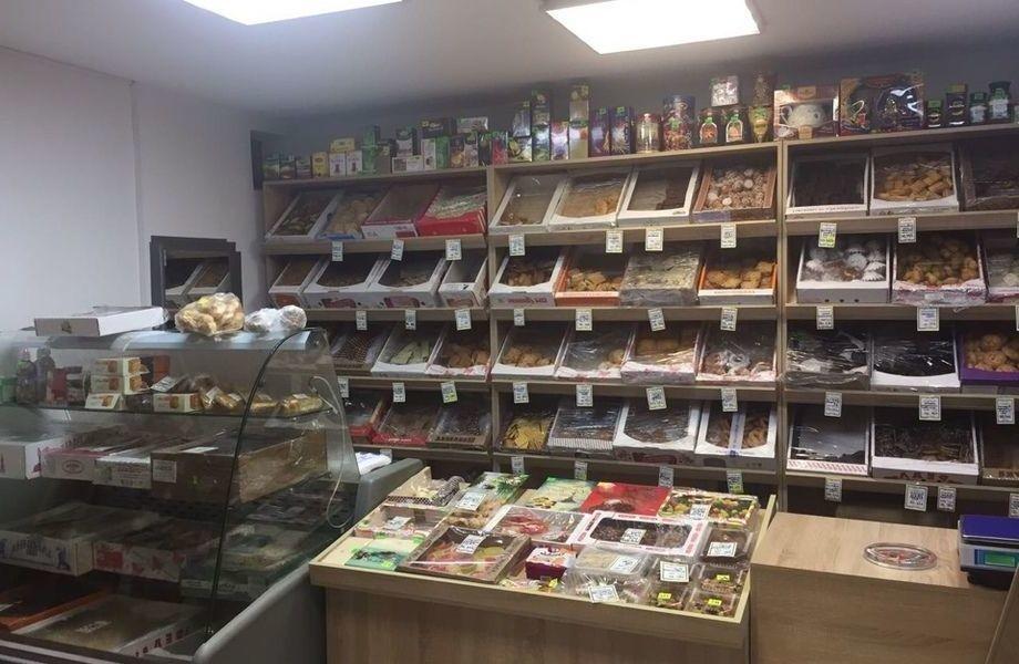 Продуктовый магазин в Приморском районе