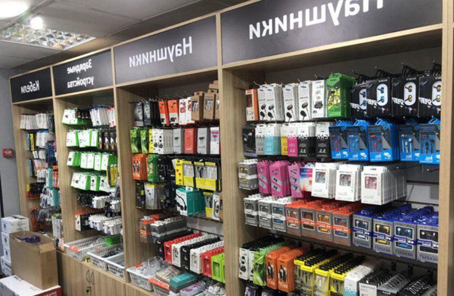 Магазин аксессуаров с ремонтом телефонов / Доход 100 т. р.