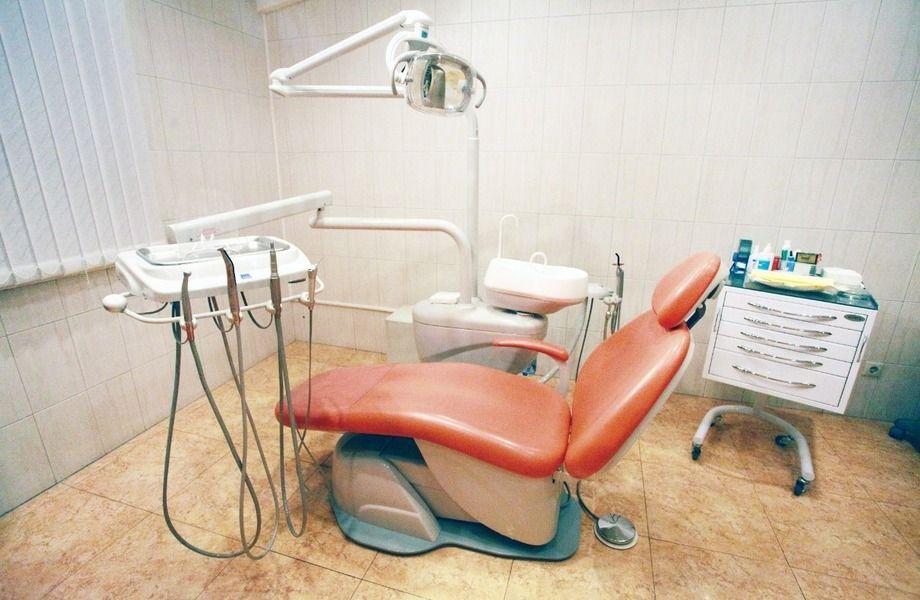 Стоматология (4 кабинета+рентген) / Работает 20 лет
