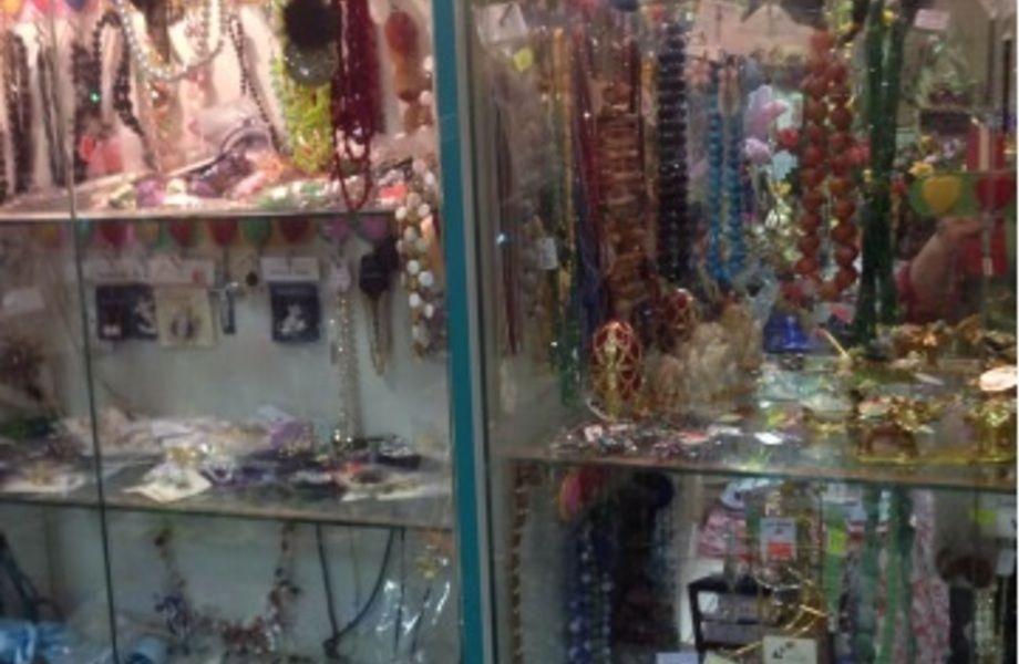 Сувенирный магазин (более пяти лет работы)