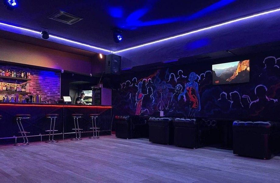 Караоке-бар с кальянной (бизнесу 3 года)